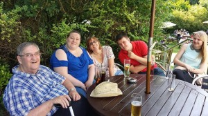 dad abby tina matt chloe at pub